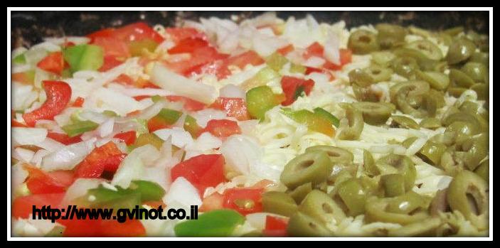 איך מכינים פיצה
